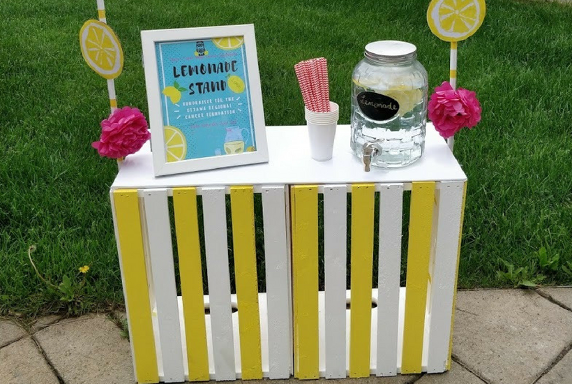 DIY Wooden Crate Kids Lemonade Stand