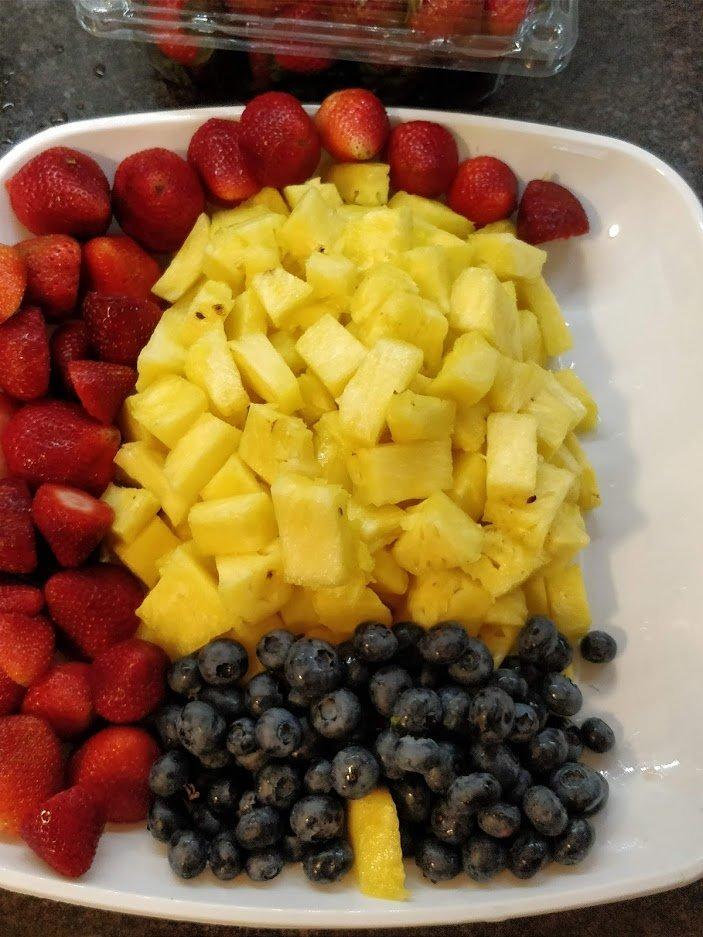 minion fruit platter DIY birthday party idea.jpg