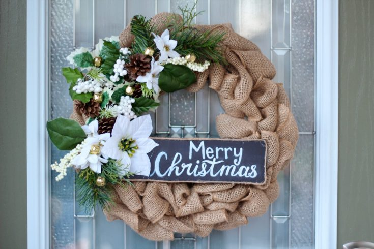 DIY CHRISTMAS WREATH BURLAP