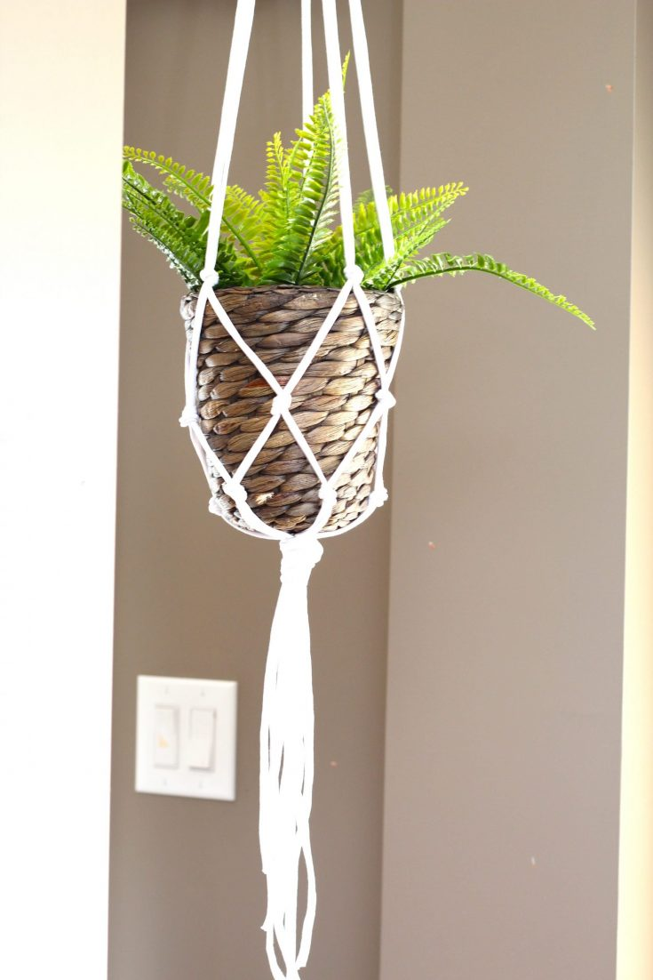 DIY-5-minute-macrame-plant-hanger-scaled.jpg