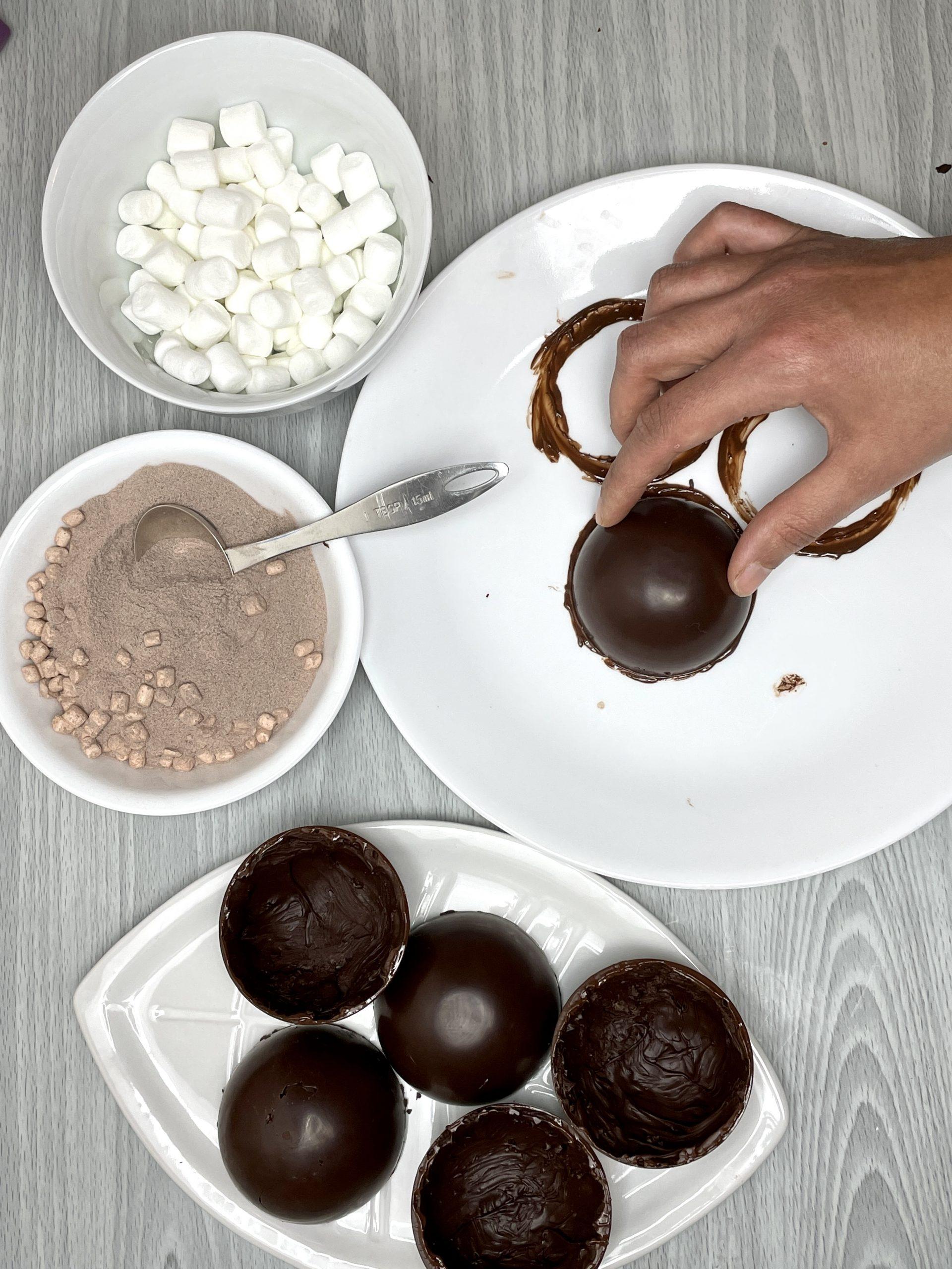 hot chocolate bombs melting edges